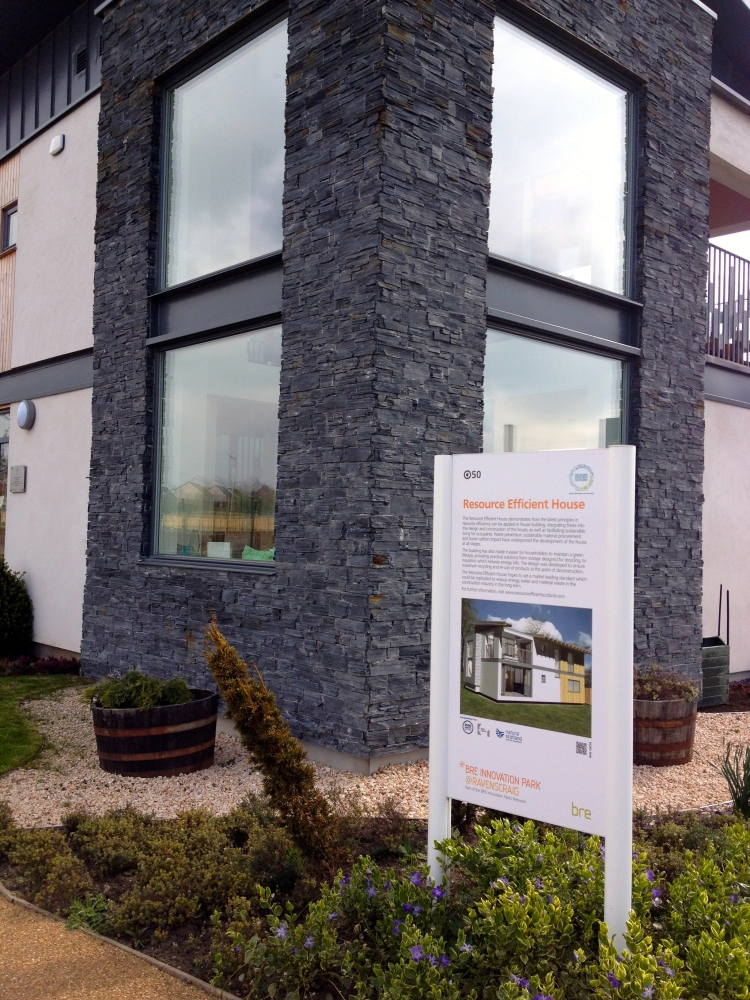Latest from REH by Tigh Grian at BRE Innovation Park, Ravenscraig: David Kelly for more cooperation between BRE and Tigh Grian also on research level! (5/6)