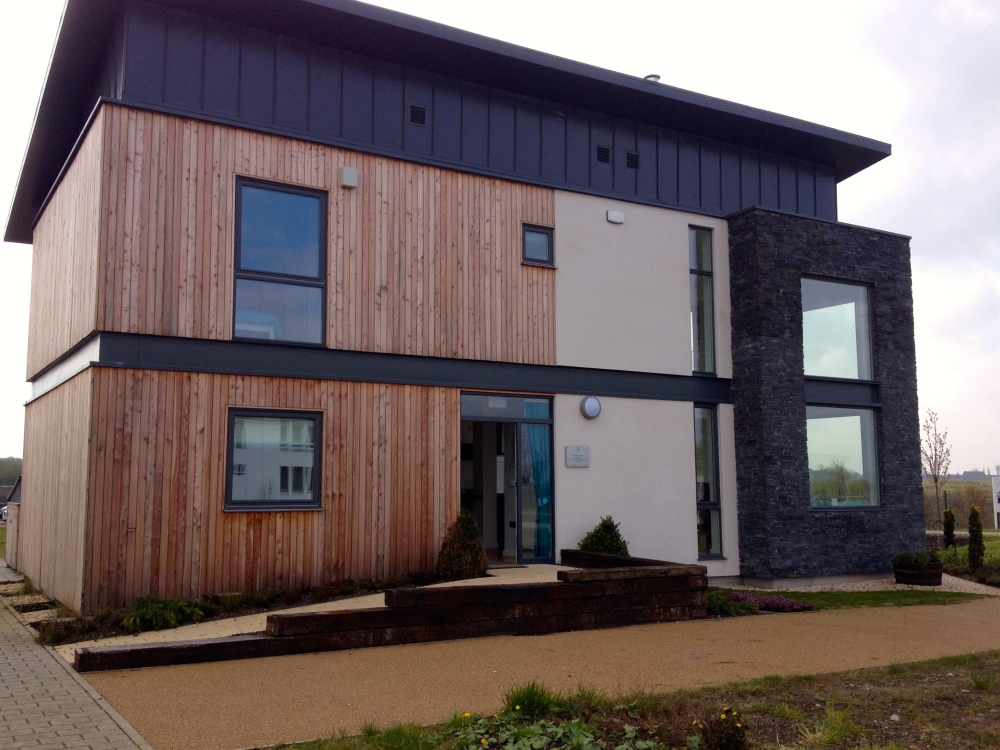 Latest from REH by Tigh Grian at BRE Innovation Park, Ravenscraig: David Kelly for more cooperation between BRE and Tigh Grian also on research level! (6/6)